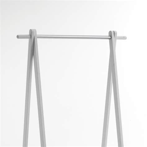 stender porta abiti stender porta abiti in legno e metallo elliot