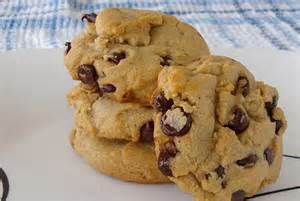 leanne bakes peanut butter chocolate chip cookies