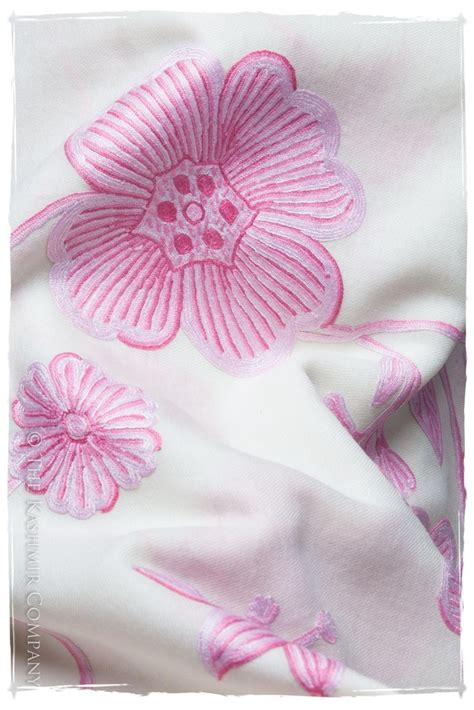 Pashmina Motif Abstrak Pink 25 best pashmina images on day gifts s day and shawls