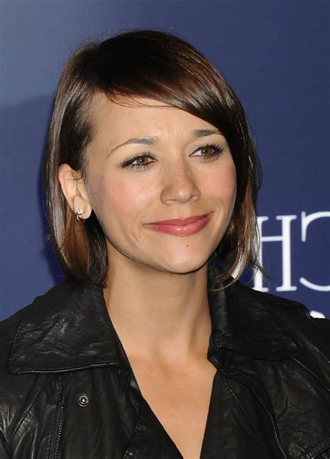 section hair for side part bangs rashida jones cute short side part brunette hairstyle with