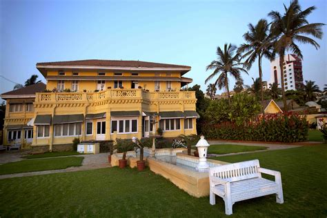 priyanka chopra house mumbai images priyanka chopra purchase 100 crore bunglow versova mumbai
