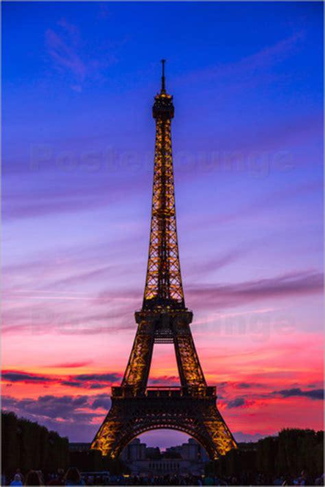 Poster Eiffel posters affiches de tour eiffel au cr 233 puscule posterlounge