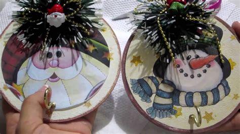 como hacer adornos de cds navide241os diy colgador de llaves de navidad reciclable hecho con quot cd quot key rack recycling