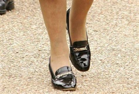 Kraice Es krali 231 e elizabeth 50 yıldır aynı ayakkabıyı giyiyor