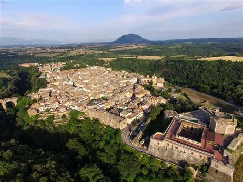 civita castellana weekend nella tuscia civita castellana e l infiorata