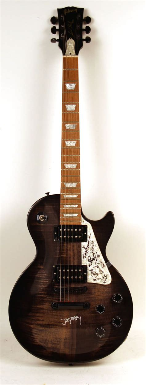 Aerosmith Guitar 1000 ideas about joe perry on steven