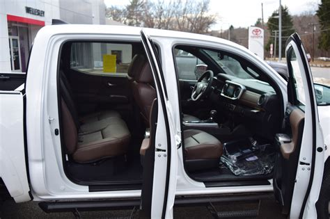Toyota Tacoma Interior Dimensions by 2016 Toyota Tacoma A Rugged Roader Gets A Quieter The Of The Drive