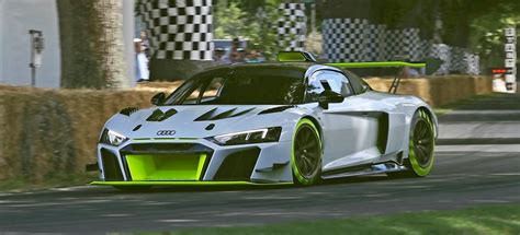 audi  lms gt debuts  goodwood