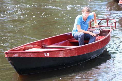 elektrisch bootje boot reserveren giethoorn bootverhuur botenverhuur bootjes