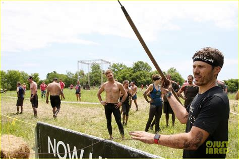friday night lights racism friday night lights cast reunites for spartan super race