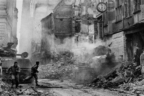 wann bricht der 3 weltkrieg aus kriegsende 1945 als sich am k 246 lner dom zwei panzer