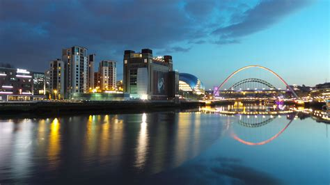 newcastle  tyne city  england thousand wonders