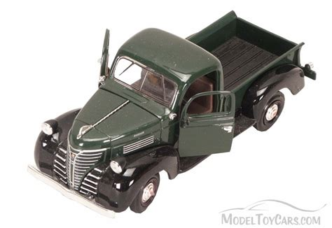 Motor Max 143 1941 Plymouth Truck 1941 plymouth truck green motormax 73278 1 24 scale diecast model car