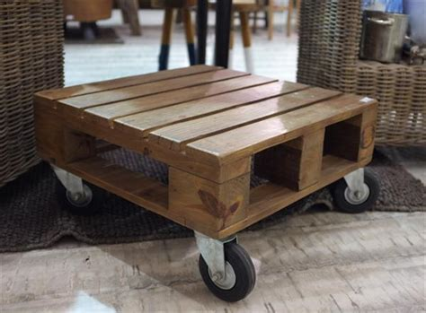 pallet table with wheels pallet mini coffee table with wheels pallet furniture plans