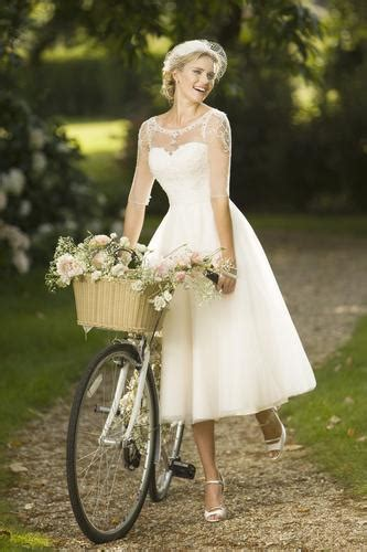 dorothy  style short wedding dress  sleeves