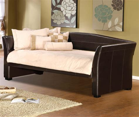 Olinde S Furniture by Hillsdale Daybeds Sleigh Daybed With Faux Leather Olinde