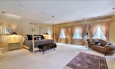 regina george bedroom live like regina george and buy her mean girls house