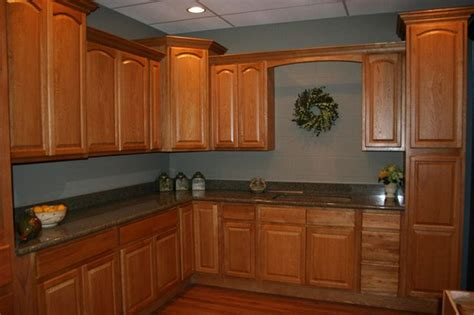 Wall Colors For Kitchens With Oak Cabinets What Color Wall Goes With Oak Furniture Gray Walls With Oak Trim Can It Work With Wooden Style