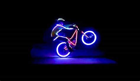 eclairage pour vtt de nuit conseils choix 233 clairage v 233 lo hiver cycliste pas cher normes