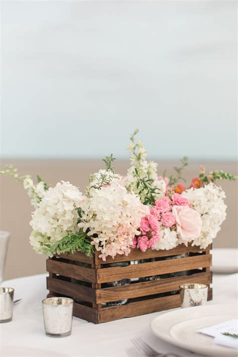 how to make a table centerpiece say i do to these fab 51 rustic wedding decorations