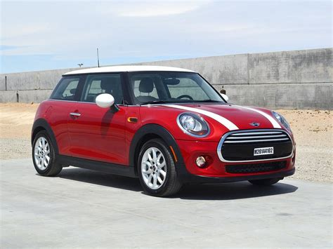 A Mini Cooper mini hatch