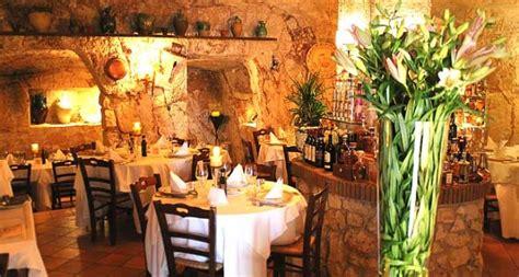 ristoranti candela cena romantica a ostuni weekend a lume di candela