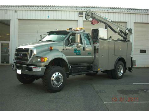 service supplies mechanic service trucks with cranes autos post