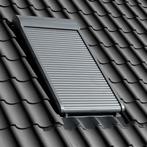 velux dachfenster rolladen elektrisch velux dachfenster rolladen ihr rundum schutz f 252 rs ganze jahr