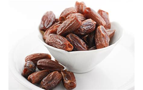 a date 18 benefits of date fruit and its nutritional value