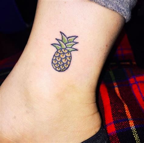 pineapple tattoo pinterest as tatuagens surrealistas e alucinantes de kim michey