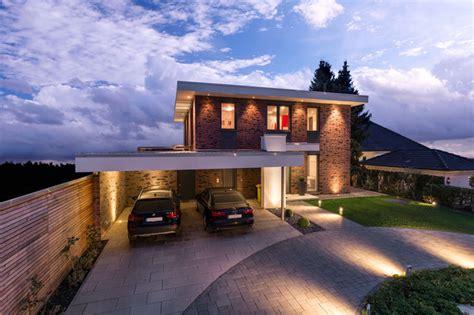Haus Mit Carport by R 252 Ckansicht Mit Carport
