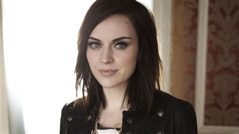 amy macdonald catalan style country linedance