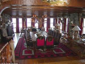Worlds Of Cabin by Granot Loma World S Largest Log Cabin On The Shore Of Lake Superior Listed For 40m Daily