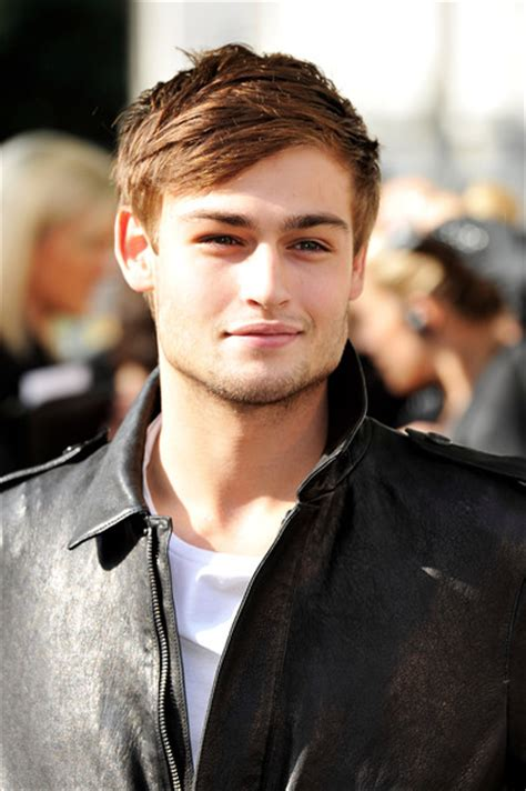 haircut styleing booth douglas booth photos photos burberry prorsum arrivals