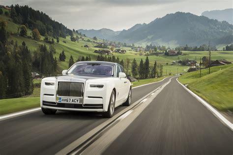 rolls royce white phantom first look 2018 rolls royce phantom viii canadian auto