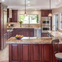 Kitchen Color Ideas With Cherry Cabinets Traditional Kitchen Design Ideas Pictures Remodel And Decor Glazed Cherry Cabinets Like How