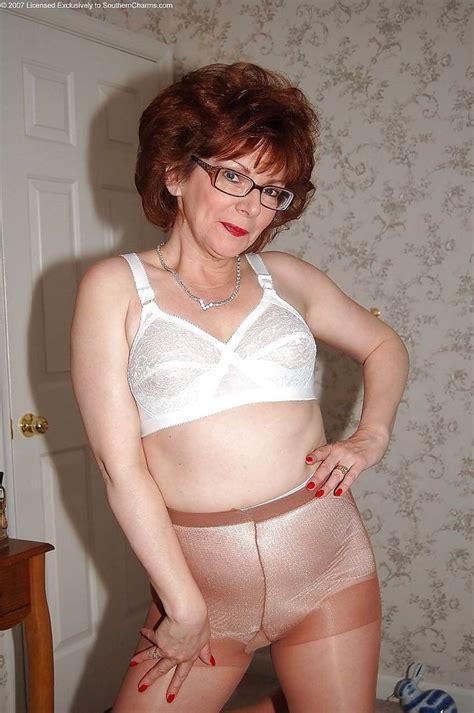grandmothers wearing girdles grandmothers wearing girdles 100 best mature girls images