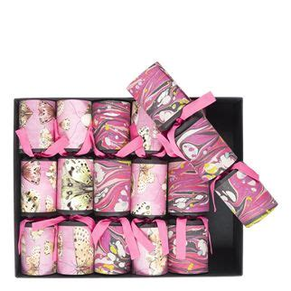 pink christmas crackers fuchsia luxury crackers designers guild