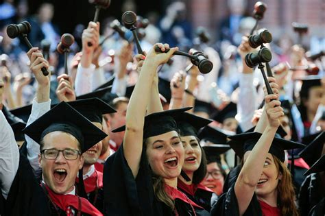 Formatura Harvard Mba 2017 by Harvard Is Right To Stop Requiring The Lsat Wrong To