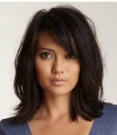 shoulder lengh hair but sides snapped what hairstyle make it look better 1000 ideas about mid length haircuts on pinterest str 228 hnentechniken capas entrecortadas