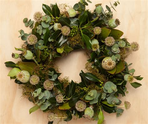 how to make your own fresh christmas wreath at home
