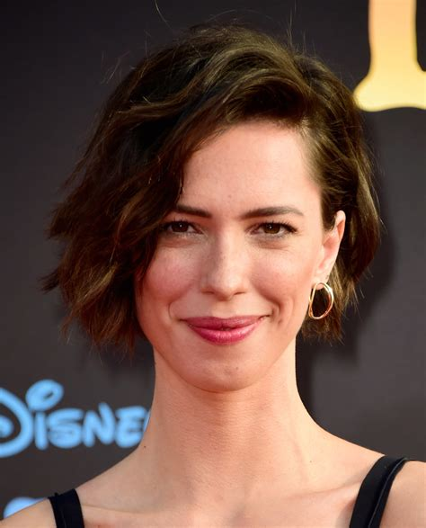 rebecca hall short wavy cut hair lookbook stylebistro