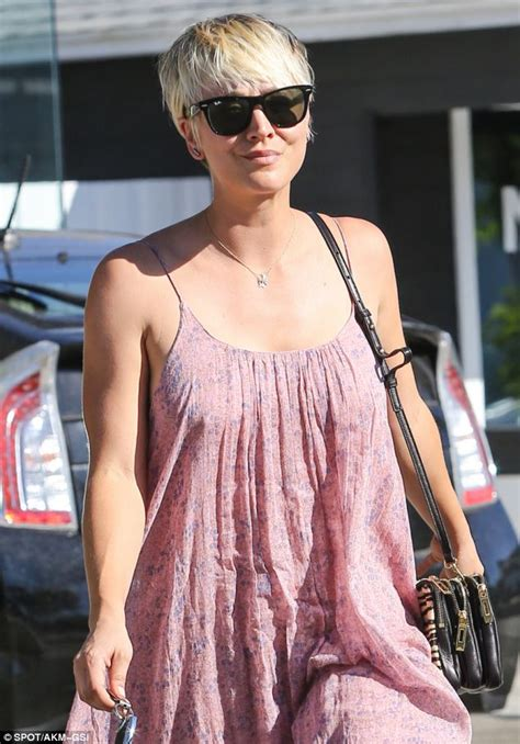 why did kilee coco cut her off kaley cuoco leaves yoga class before zooming off in 250k