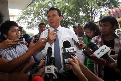 Ahok Korupsi | ahok diperiksa polisi sebagai saksi kasus korupsi ups