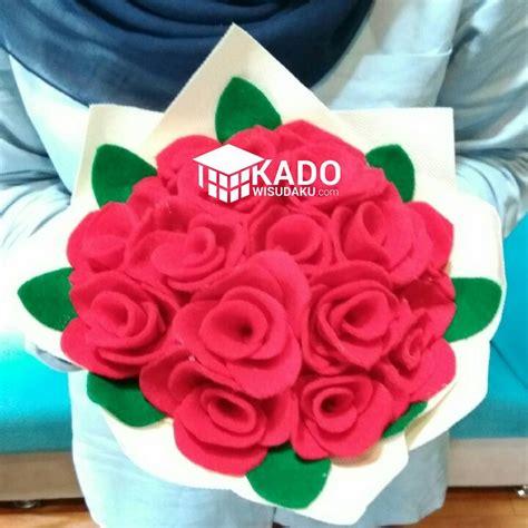 Buket Bunga Mutiara Murah 12 buket bunga mawar merah kado wisudaku