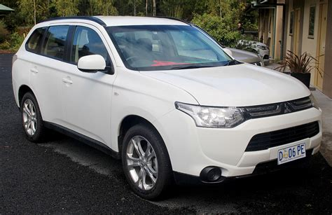 Outlander Auto by Mitsubishi Outlander википедия