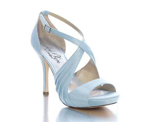 Blue Bridal Shoes by 24 Fabulous Ways To Incorporate Summer Wedding Color