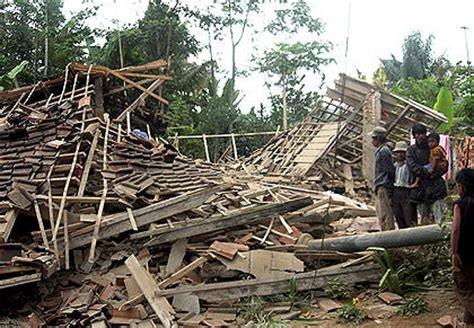 earthquake in bandung death toll rises after indonesia quake