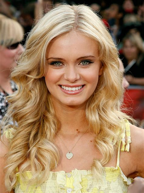celebrity with blonde curly hair long hairstyles provenhair