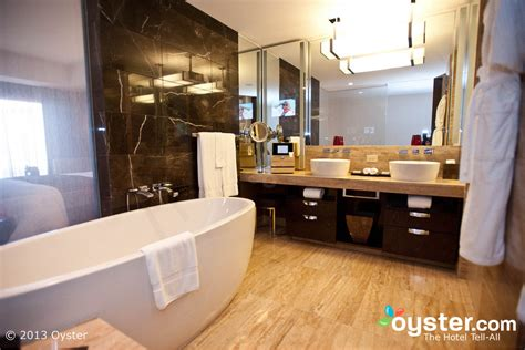 vegas bathrooms the 10 most outrageous hotel bathrooms in las vegas